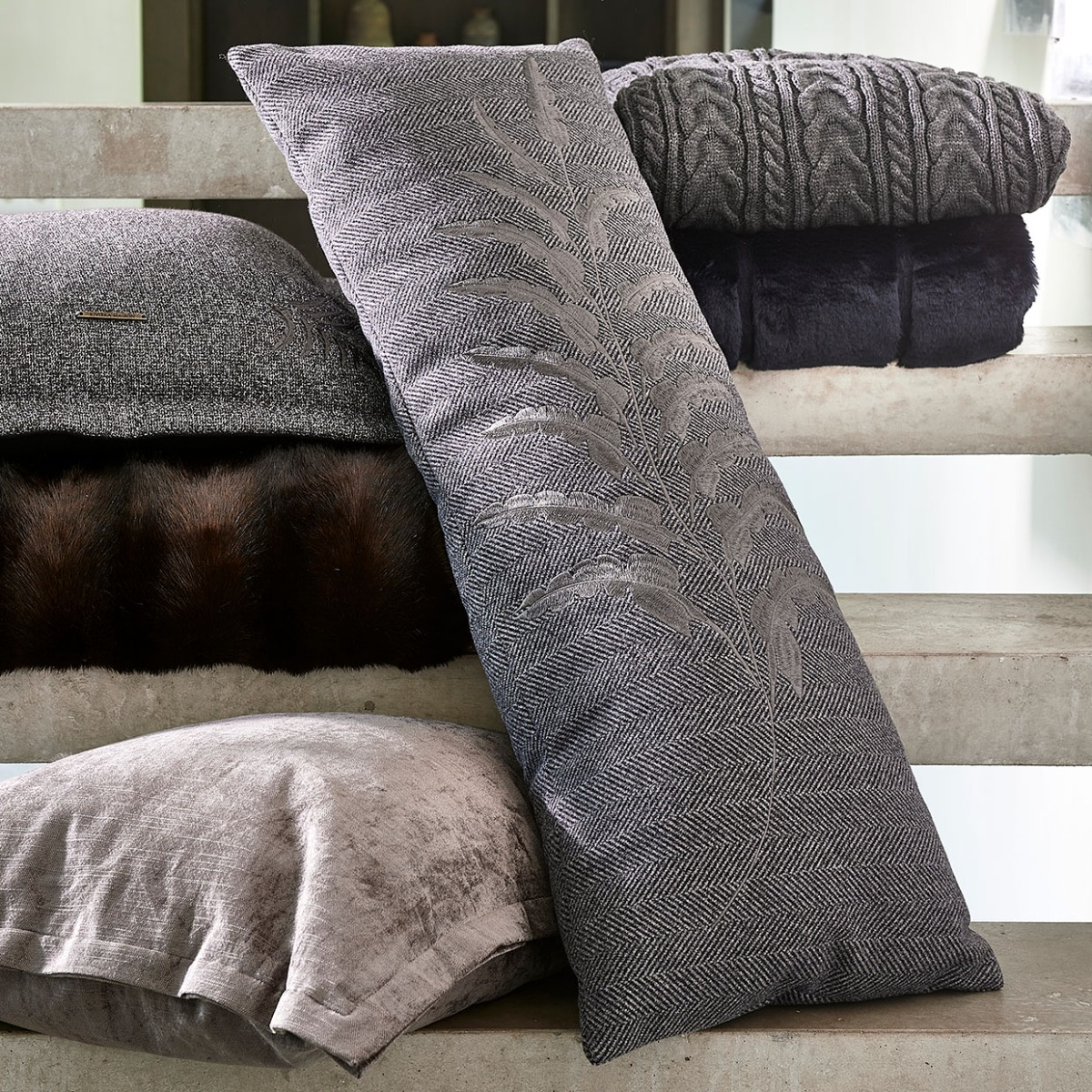 Winter Glamping Pillow's